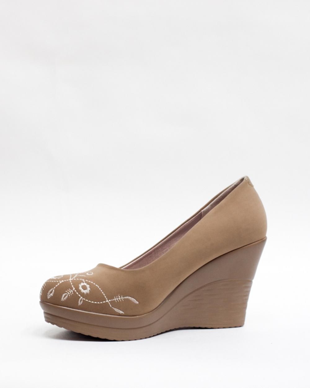 Ботинки замшевые женские бежевые